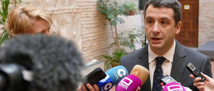 """Esteban Paños: """"Si nos fiamos de todas las veces que lo han anunciado, en Toledo tendríamos ya siete hospitales"""""""