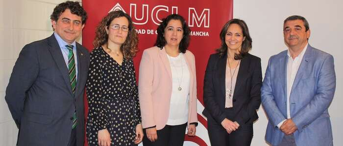 """Fundación Caja Rural Castilla-La Mancha, UCLM y CERMI presentan el título de experto """"Emprende diferente"""""""