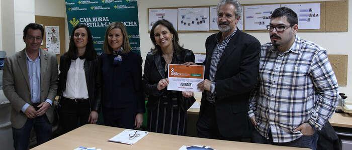 Caja Rural Castilla-La Mancha entrega una ayuda Workin a Autrade por su Servicio de Capacitación para el Empleo