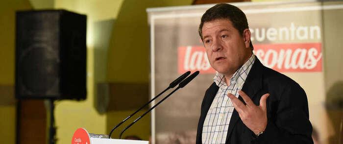 Emiliano García-Page, que ha presentado la candidatura municipal del PSOE en Sigüenza,  anuncia que el primer Consejo de Gobierno de la próxima legislatura se celebrará en esta localidad