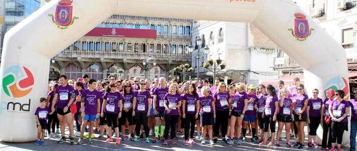 Unos 600 corredores y corredoras tiñen de morado por la igualdad las calles de Ciudad Real en la 5ª Carrera de la Mujer