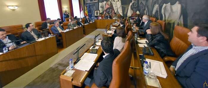 La Diputación de Ciudad Real pide al Gobierno de España medidas para poder intervenir su superávit de 9,8 millones de euros