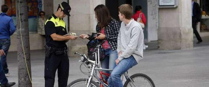 La Policía Local de Alcázar controlará la circulación de bicicletas por las aceras y zonas peatonales