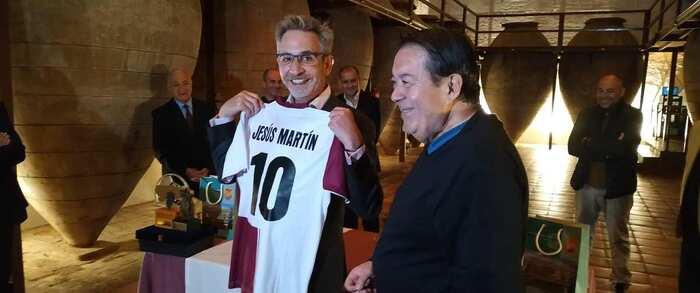 El alcalde de Valdepeñas recibe a las selecciones de la Final Sub 18 de Fútbol