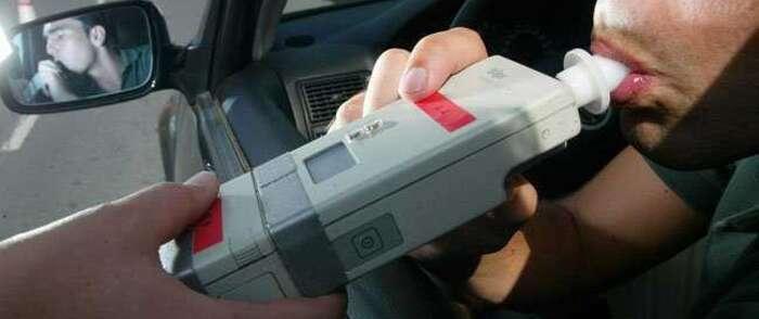 Más de 400 conductores son detectados cada día al volante habiendo consumido alcohol o drogas