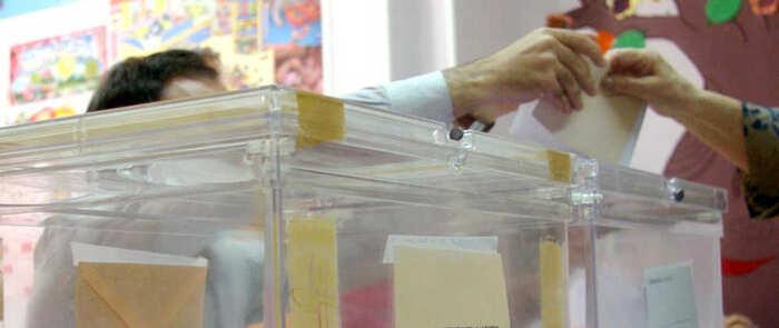 Las personas con movilidad reducida de Azuqueca pueden solicitar el servicio de acompañamiento para votar el domingo