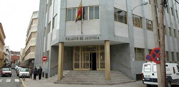 Condenado a 10 años de prisión por agredir sexualmente a la mujer que limpió en su casa en Puertollano