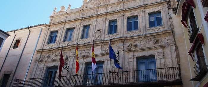 El documental sobre la restauración de las fachadas del Ayuntamiento de Cuenca se estrena mañana en el Centro Aguirre