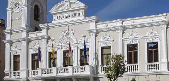 Guadalajara estrena año con una importante bajada del IBI, del impuesto de Vehículos, y con  un 5%  de bonificación para los  contribuyentes acogidos al Sistema Especial de Pagos