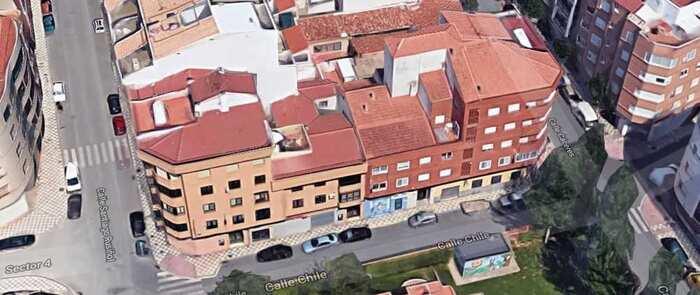 Desalojado un edificio de vivendas en Albacete tras un encendio en el salón de una de ellas