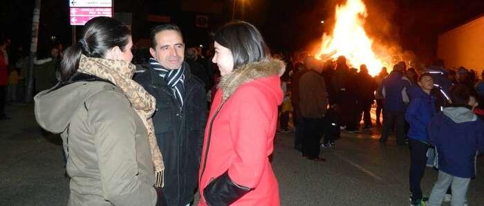 La Candelaria de San Sebastián calentó la fría noche almodoveña