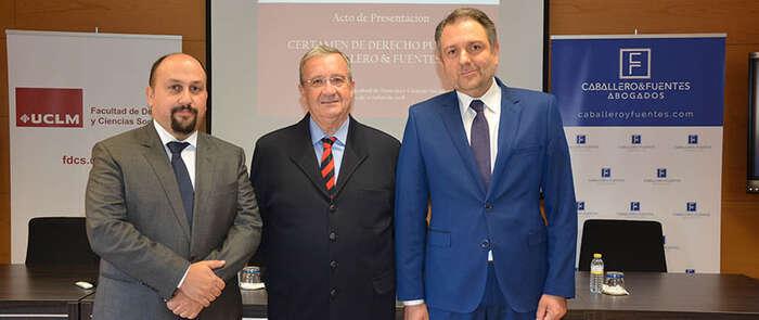 Un trabajo sobre Derecho Administrativo de la UE gana el certamen Caballero & Fuentes, convocado por el bufete y la Facultad de Derecho de Ciudad Real