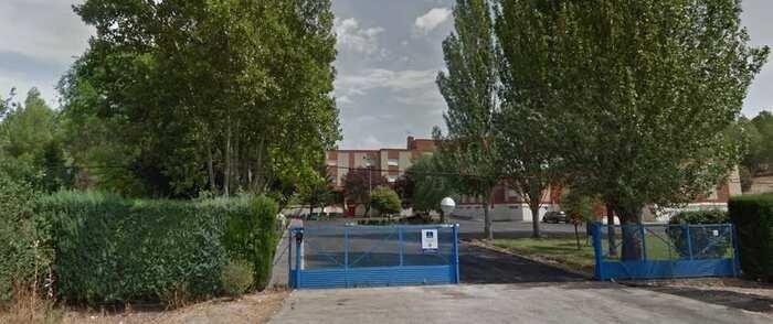 Una fuerte tormenta provoca filtraciones de agua en un colegio de educación especial en Cuenca