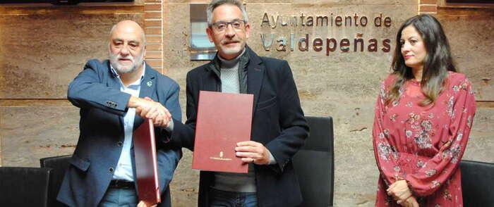 El Consistorio de Valdepeñas renueva su convenio de 35.000 euros con AFAD y apostará por el empleo por la inclusión