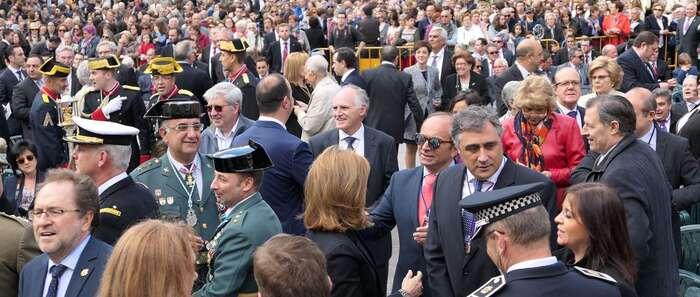 La misa de Coronación de la Virgen de las Angustias congrega a 4.000 personas en la Plaza Mayor de Cuenca