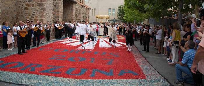 Porzuna se vuelca con su tradicional fiesta del Corpus Christi