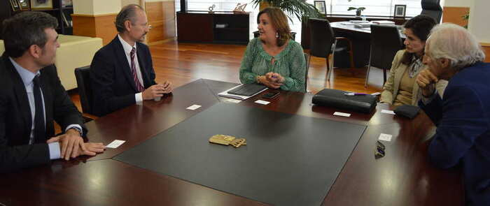 La consejera de Economía, Empresas y Empleo se reúne con el director general del Instituto de Economía Social de México