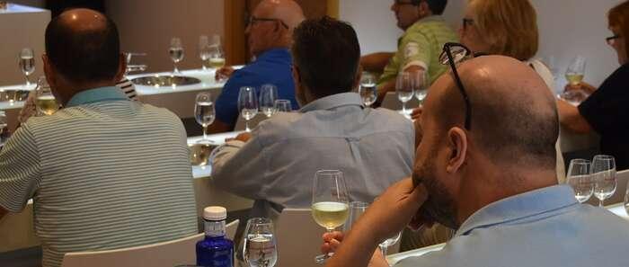 Los establecimientos de Socuéllamos superan la auditoría y se incorporan a Rutas del Vino de España de la mano de la Ruta del Vino de La Mancha