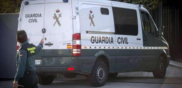 La Guardia Civil detiene en Tomelloso a dos personas por falsificación de documento público y usurpación de identidad