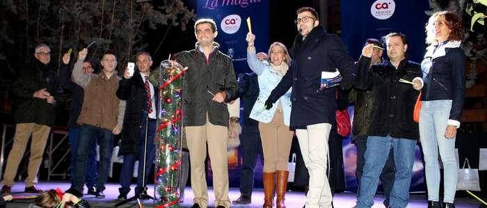 Javier Cuenca anima a los albaceteños y visitantes a disfrutar de la iluminación navideña y del comercio de calidad que existe en Albacete