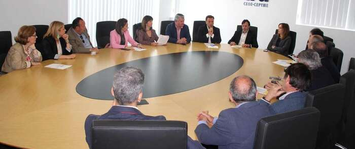 Manuel Serrano se compromete a bajar los impuestos y a ofrecer un tratamiento fiscal favorable para la creación de empresas, innovación y empleo en la ciudad de Albacete