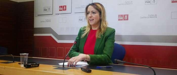 Cristina Maestre afirma que en 2017 no van a subir los impuestos