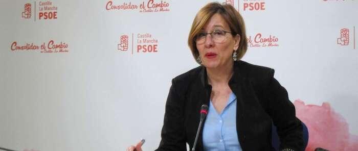 """PSOE C-LM avisa a Cifuentes de que a pesar de """"tanta protección y besos de Rajoy, la realidad se les lleva por delante"""""""