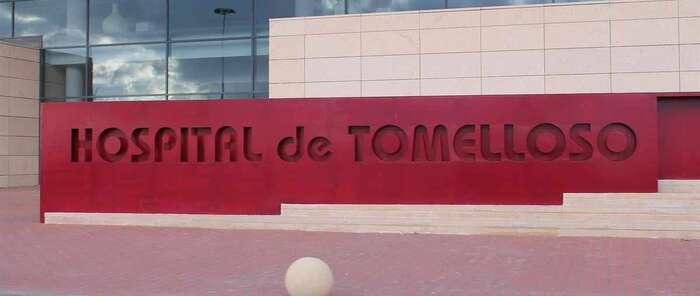 Trasladadas al hospital dos personas afectadas por inhalación de humo tras un incendio en Tomelloso