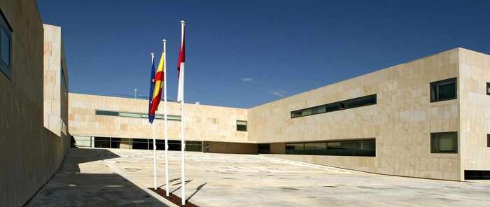Educación activa el protocolo de acoso ante los presuntos mensajes sexuales de un profesor de Cuenca a una alumna