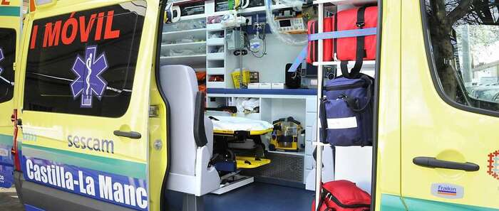 El Sescam envía una UVI móvil hasta un municipio de Soria tras un accidente entre un coche y un tren
