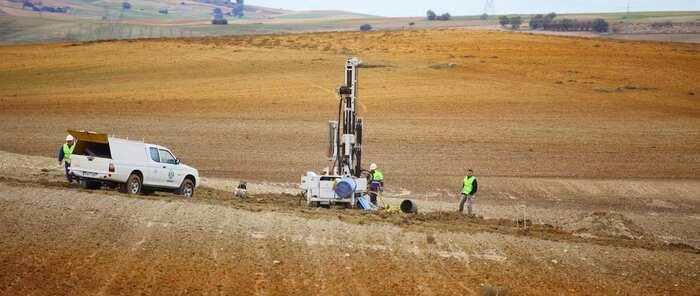 El Gobierno decide paralizar el permiso de construcción del silo en Villar de Cañas