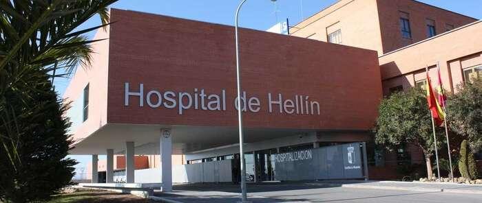Trasladado a Hellín el trabajador de la base helitransportada de Molinicos herido tras la caída de un rayo
