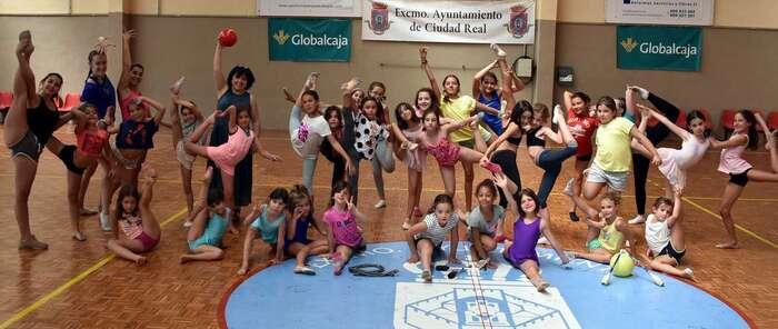 Una treintena de niñas de Ciudad Real disfrutan de las I jornadas de iniciación y perfeccionamiento de Gimnasia Rítmica