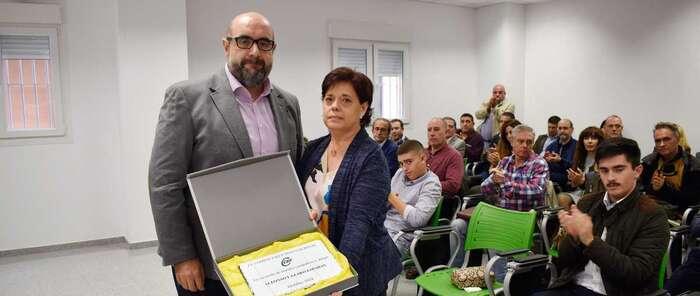 CSIF rinde un pequeño homenaje a su exsecretario autonómico, el ciudadrealeño Alfonso Lázaro  El presidente nacional del sindicato ha descubierto una placa en la sede de Toledo