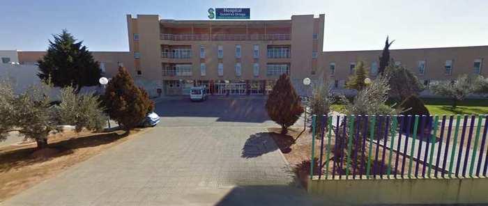 Trasladado al hospital un trabajador que se ha precipitado desde 5 metros de altura en Valdepeñas