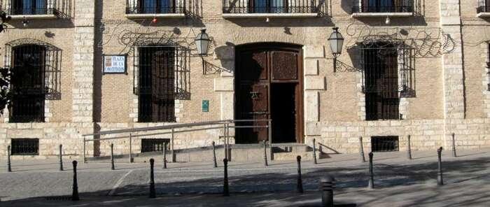 La alcaldesa de Villarrubia de los Ojos dará ante el juez las explicaciones que ha negado a sus vecinos sobre su imputación por prevaricación y malversación