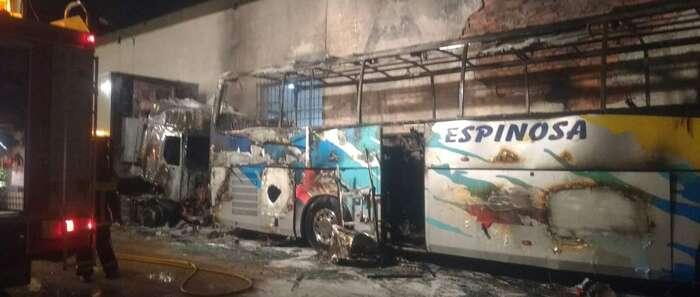 Se incendia un autobús que se encontraba estacinado en Tomelloso