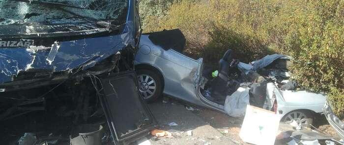 Un herido grave y varios leves tras colisionar un vehículo con un autobus escolar en el término de Saceruela (Ciudad Real)