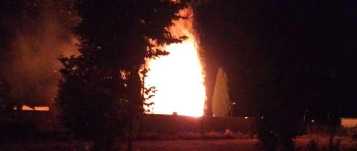 Un rayo cae en Fernan Caballero causando un incendio
