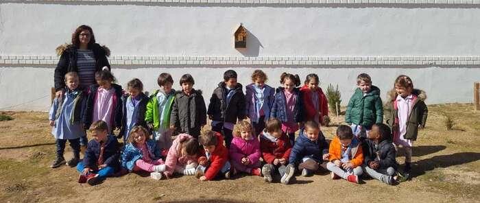 """El colegio Picasso de Alcázar de San Juan inaugura un """"Hotel de insectos"""""""