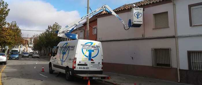 El ayuntamiento de Alcázar continúa con la sustitución de luminarias por otras de bajo consumo, más eficientes y sostenibles