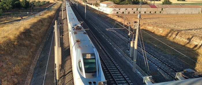 Fellece una persoba tras ser arrollada por un tren de pasajeros en La Roda (Albacete)