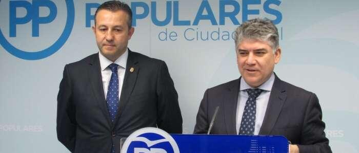 Fernández denuncia que el presupuesto de la Diputación no está aprobado y que están realizando pagos al margen  de la Ley