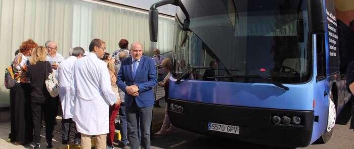 El Autobús del Cerebro pasa por Alcázar para concienciar sobre la prevención de enfermedades neurológicas