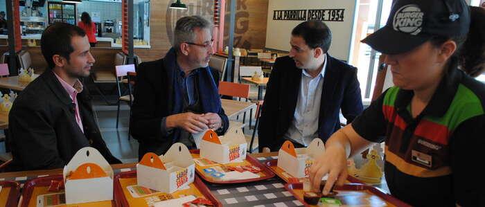 El alcalde inauguró el segundo 'Burger King' de Valdepeñas que emplea a 24 personas