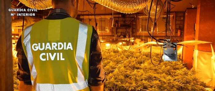 La Guardia Civil detiene a una persona por tráfico de drogas en Alberche del Caudillo