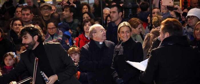 La Alcaldesa de Toledo asiste a la inauguración del gran Belén de la plaza de Zocodover y al concierto de la Escuela Municipal de Música