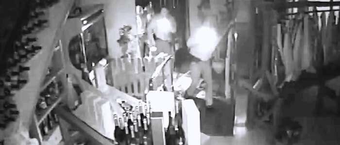 """La Guardia Civil desarticula una organización dedicada a cometer robos en comercios mediante el método del """"alunizaje"""""""