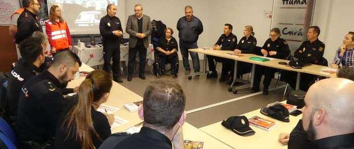 La Policía Nacional recibe formación en primeros auxilios de la mano de Cruz Roja
