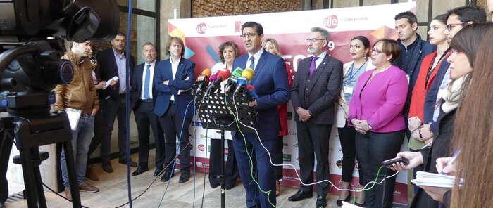 """Caballero reitera el compromiso de la Diputación de Ciudad Real con los jóvenes empresarios de la provincia en la inauguración del """"Conecta 2019"""""""